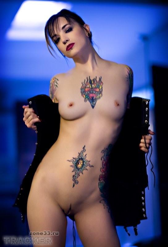 Татуэровки на голеньких девушках фото 238-237